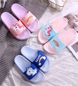 Regenbogen-Cartoon Unicorn Kinder Indoor Hausschuhe Kleinkind Sandalen Sommer Fashion Home Flip Flops Kinder Schlafzimmer Schuhe Beach Wear Slipper D62306