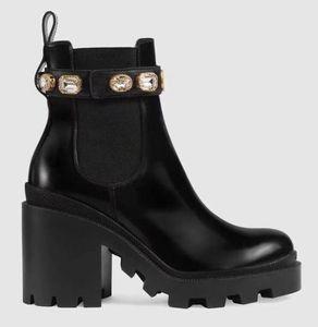 2018 designer femmes chaussures de sport mode britannique bottes bout rond martin bottes boucle sangle talon chunky bouts arrondis bottes brodées i3