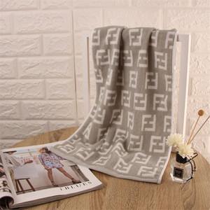2020 F Lettre serviette de coton comprimé Rectangle Accueil Serviette de bain Visage cheveux Bain Designer serviette Livraison gratuite