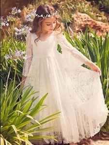 Flower Lace Wedding Party Boho Dress Bohemian manga comprida Pescoço da colher Andar de comprimento A Linha Kids First Communion Vestido Santo