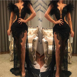 2020 Robe en dentelle noire de bal de Split Pageant Party Tenue de soirée gaine plumes robes de soirée sexy col en V Voir au travers