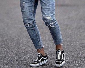 Mens Loch Burrs Zipper-Bleistift-Hosen-dünne gewaschene Sommer-beiläufige mittlere Taillen-Jeans Herren Kleidung