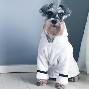 Hiver Peignoir Peignoir Pyjama Chien Vêtements De Nuit Chat Teddy Bulldog Schnauzer Pet Vêtements Doux Chaud Épais Peignoir Chien