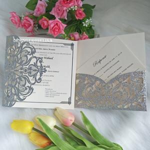 Silver Glitter Convites de casamento Laser Cut bolso Dobre convites para o chuveiro nupcial doce 16o aniversário de Quinceanera convites