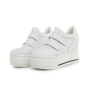 новых женщины черных кроссовки 2020 Summer Hidden каблук дышащих Женские тапки женщина платформа обувь резиновой подошва Кроссовки Весна обувь