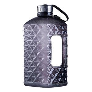 Los diamantes Soffe medio galón botella de agua libre de BPA 2.2L proteína grande Capcity Shaker botellas de plástico de agua Sport Gym Fitness Hervidor Y200107