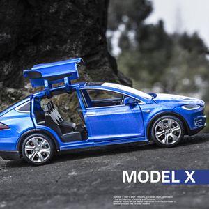 Tesla Model X S Lega modellini auto giocattolo Veicoli metallo con tiro da regalo Indietro lampeggiante musicali 1:32 Toy Car per i bambini Regali Y200109