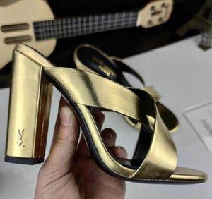 Zapatos de marca atractivas verano de la mujer de la hebilla de correa del remache sandalias de tacón alto Negro Oro peep toe zapatos de boda Moda individual alto talón de los deslizadores