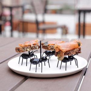 12 Adet / paket Sevimli Karıncalar Tasarım Gıda Meyve Seçtikleri Forks Öğle Yemeği Kutusu Aksesuar Dekor Aracı Ev Mutfak Kişilik Meyve Çatal ücretsiz shiping
