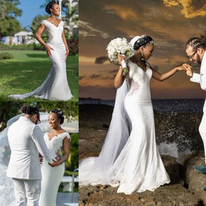 2020 African Mermaid Wedding Dresses Cutaways Sides Applique Lace Backless Bridal Dress Sexy Plus Size Wedding Gowns
