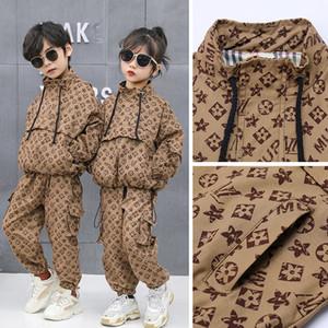 I bambini dei ragazzi delle ragazze dei vestiti del vestito Designers Tute stampato coprono insieme Moda bambini a maniche lunghe vestito di sport Jacket + Long Pants