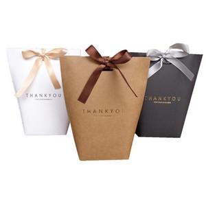Nuovo Merci Grazie regalo Cartone cottura gioielli cartone sacchetto di carta con l'arco Shopping sacchetto del regalo Festival feste regalo Wrap 13.5X16.5cm DHL