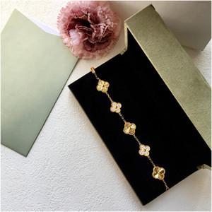 Cristal Four Leaf Clover pulseiras Bangle Love Letter Charme Jóias de Diamantes para Mulheres Meninas Designer Luxury Jewelry Designer com caixa