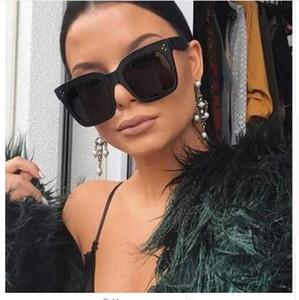 2019 Kim Kardashian Sonnenbrille Lady Flat Top Eyewear Lunette Femme Damen Luxury Branded Sonnenbrille Damen Rivet Sun Glasse UV400