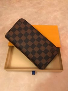 Single zipper WALLET the most stylish way to carry around money, cards and coins famous design men leather purse card holder long business
