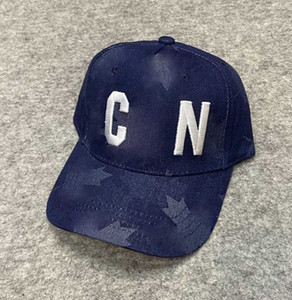 Nuevo casquillo de diseño de lujo Papá Papá gorras de béisbol para hombres y mujeres marcas famosas algodón ajustable deporte golf Curved Sombrero 10037