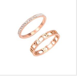 Nouveau simple et bague en acier titane ajourées rose femme or deux ensembles de pièce avec bague en diamant