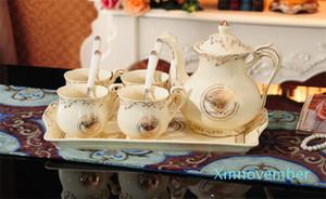 가족 친구에 대한 접시와 빈티지 차 세트 프리미엄 커피 컵 차 컵 세트와 스푼을 위해 홈 레스토랑 디스플레이 크리스마스 선물