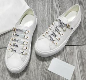 Scarpe 2019 scarpe da tennis casuali della scarpa da tennis piane allenatori sportivi Moda scarpe pantofole dei sandali con lacci scarpe bianche per la donna Dimensione: 35-40 DHL libero 10