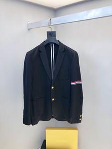 2019new Art und Weise Black Bräutigam Smoking Rot, weiß und blaue Streifen Revers Geschäft Brautkleid vortreffliche Mann Jacke Blazer-Klage