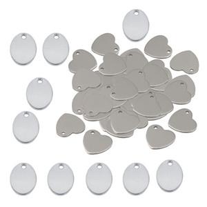60 pezzi di metallo piatto cuore ovale in bianco moneta incisione timbratura di fascini tag pendente collana pendenti braccialetto per monili che fanno