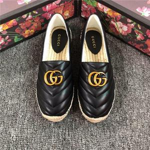 Europa e 2019 a nova cadeia do plástico praia sapatos de cores doces Estados Unidos geléia sandálias cadeia de fundo plano para fora sandálias