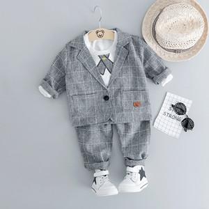 Hylkidhuose 2019 Baby Boy Conjuntos de ropa para niños Ropa de hombre Trajes de caballero Estilo Abrigos infantiles T Shirt Pantalones Grid Traje de los niños J190513