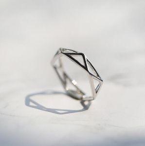 Minimalist geometric three-dimensional prismatic hollow ring open tail ring women