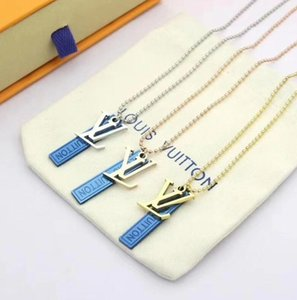 Lock Short Pendant Necklace Women Lock Designer Letter Louìs Vuìttõn Necklace for Gift Party High Quality Jewelry
