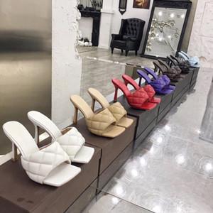 2020 Yeni luxur Tasarımcı Kadınlar kutusuyla streç sandalet bayanlar Lüks Parti Terlik Düğün Kadın yüksek topuklu rüya Nappa Flop Sandal çevirin