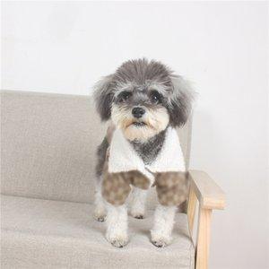 Marca Dog Coats cordeiro Roupa Pet Dog espessura de veludo Cães Coats Letters Designer Fato do cão Teddy Pomeranian Schnauzer Pug
