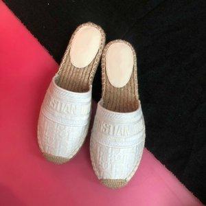 Outdoor 2020 estate delle signore di cuneo pantofole dita dei piedi dei sandali di modo Infradito Scarpe all'ingrosso 033.008