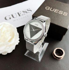 الشهيرة مصمم الساعات الجديدة الساعات الفاخرة المنتج أزياء العلامة التجارية لدى الرجال وغير القابل للصدأ ساعات الكوارتز ساعة الصلب للنساء غوتخمين BY
