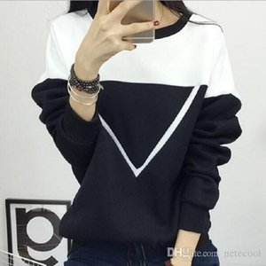 Winter Women Black and White Spell Color Patchwork Hoodies Women V Pattern Pullover Sweatshirt Female lady Tracksuit