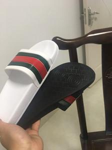 2019 nouvelles femmes femmes pantoufles Dsigner bas de chaussures Sandales mensiped causal non-slip été pantoufles huaraches tongs tongs pantoufles