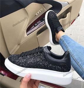 2020 Velvet Black Mens женщины Chaussures обуви Красивых платформы вскользь ботинки тапки кожа Solid Colors платье обуви