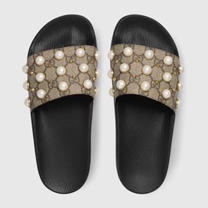 Mode De Luxe Designer Femmes Pantoufles Sandales Dames Plage Pantoufle Marée Mâle Perle Stud Pantoufles Non-slip En Cuir Mens Casual Spikes Chaussures