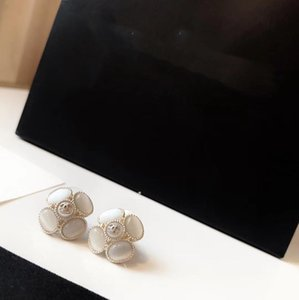 New Products Flowers White Shell Earrings Sweet Pure Fresh and Elegant Earrings for Woman Sterling Silver Needle Earrings