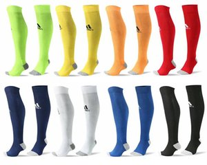 AD antideslizante transpirable verano de los hombres Ejecución de algodón y goma Calcetines de fútbol Calcetines de alta calidad de los hombres de AD Hombres Mujeres Calcetines