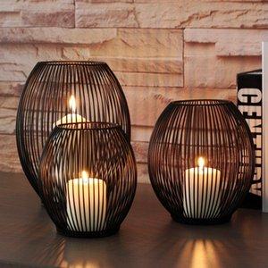 Morden Metall aushöhlen Kerzenhalter Artikel Candlestick hängende Laterne Home Decor Geschenke Tb Verkauf SH190716