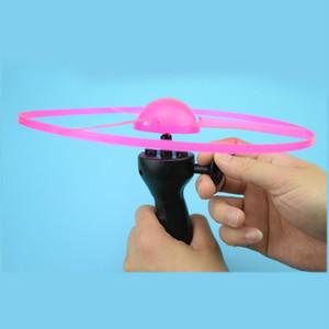 ألعاب مضيئة سحب كبير خط مضيئة تحلق الأطفال الصحن الفريسبي حذافة فلاش اللعب UFO LED مضيئة تحلق السهام لعب الأطفال والهدايا
