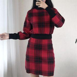 كم طويل التنورة القصيرة النسائية 2PCS فساتين سترة الإناث الملابس منقوشة طباعة إمرأة مصمم 2PCS فساتين أزياء خمر نصب منصة