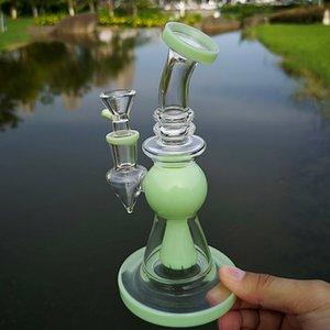 Pyramide Glass Design Bongs Heady verre Dab Rig Showerhead Percolateur Bang court Nect Embouchure verre d'eau Bong Avec 14mm Bowl