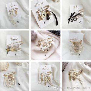 Europe and America Trendy Girls Women Pins Brooches Gold Plated Crystal Beauty Number Flower Pins for Party Wedding Nice Gift