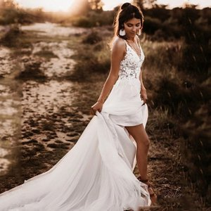 White Lace Boho Wedding Dress Spaghetti Strap Appliqued Lace Beach Wedding Gown Sexy Backless Bride Dresses 2020