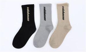 Mens sólido Color atléticos calcetín Deportes Imprimir cartas Ropa interior para hombre Moda transpirable Relajado calcetines para hombre del diseñador