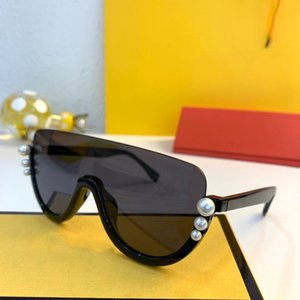 2019 Designer-Sonnenbrille Transparent Night Riding Electric Motorcycle Insektensichere Brille Schießen Praktische Brille Wind und Regen