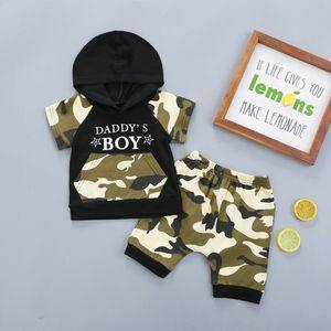 2020 Sommer-Baby-Jungen-Kleidung Neugeborene Jungen Camo Outfits Tracksuits Brief mit Kapuze T-Shirt mit Shorts 2Pcs Outfits Jungen-Kleidung 0-24M