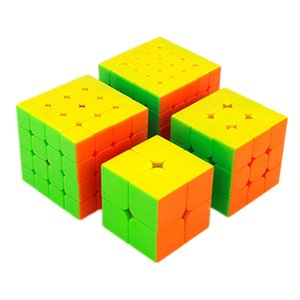 Moyu Mofangjiaoshi 2x2 3x3 4x4 5x5 Competencia Magic Cube Set 4pcs Cubing Aula Velocidad Cubos Rompecabezas Juguetes para niños Q190530