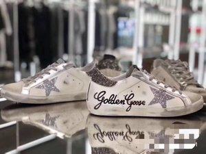 TOP de Qualidade Itália Multicolor Heel Ouro Superstar Gooses Sneakers Homens Mulheres clássica Branca Do-velho sujo Shoes Calçados casuais 02